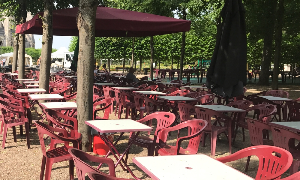 BOURGES-JARDIN-HOTEL-VILLE-AD2T