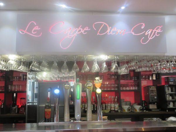 Le Carpe Diem Café