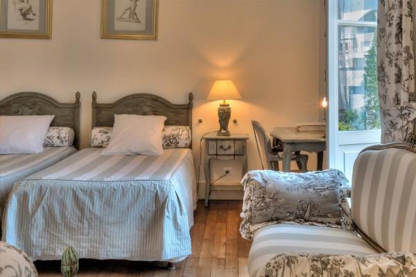 Chambre «Coco Chanel» à l'Oustal