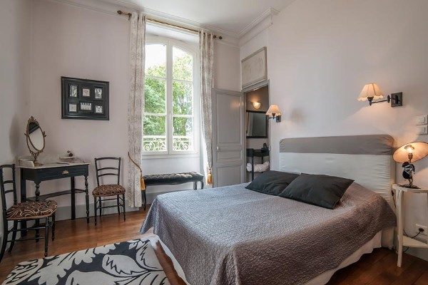 Chambre «Coco Chanel» de l'Oustal