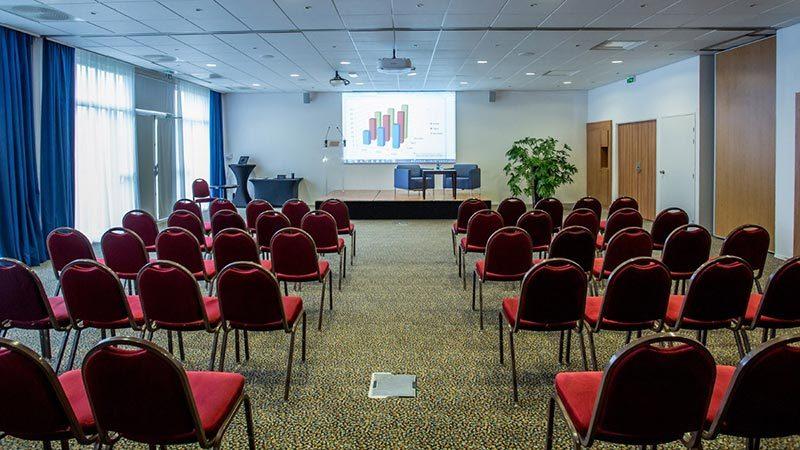 Salle-de-conférence-novotel-Bourges